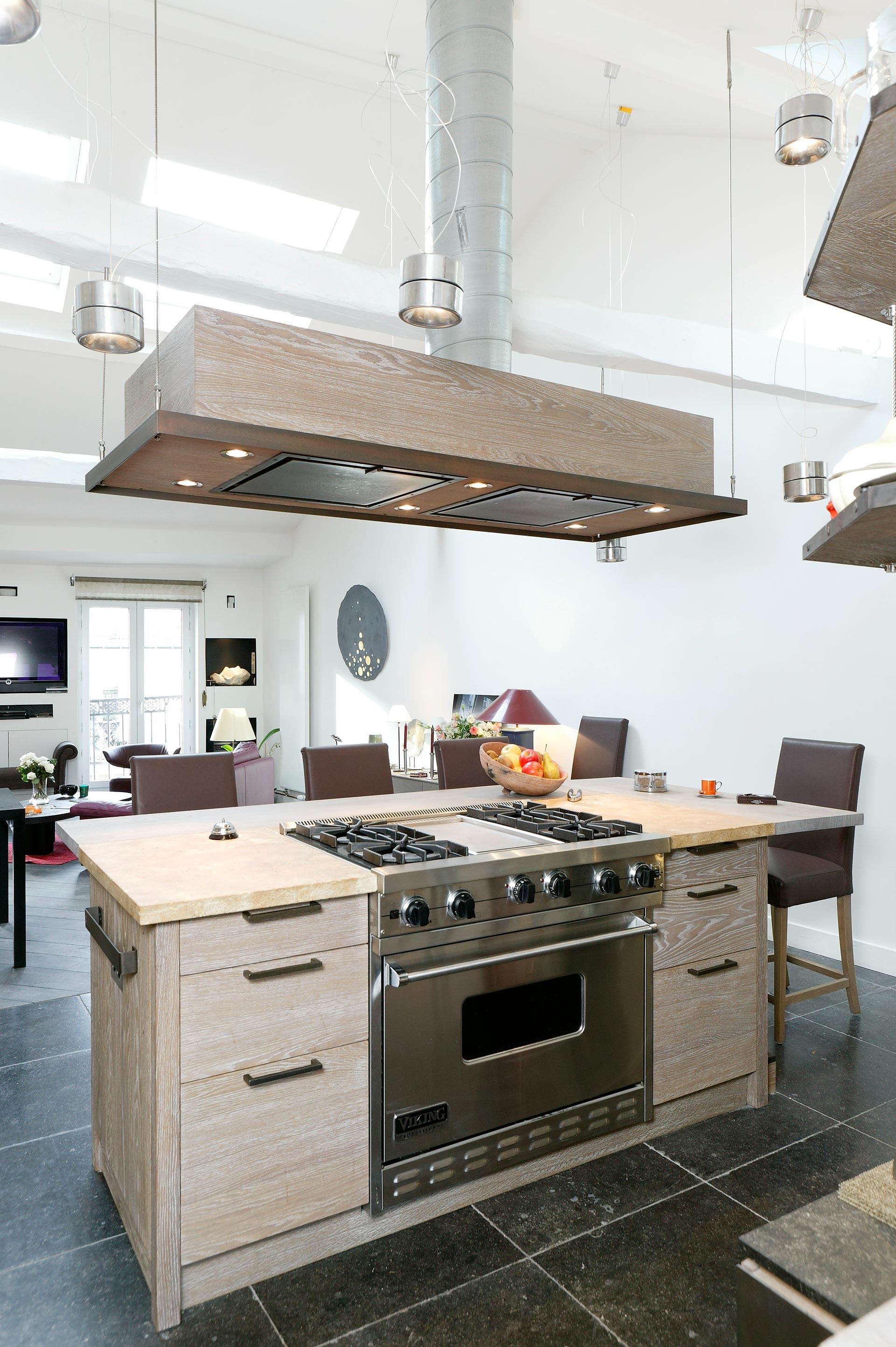 Cuisine en ch ne old grey et pierre de bourgogne une for Decouvrir cuisine